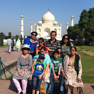 Dr. Mansuri and Family, @Taj Mahal, Agra, 13th January, 2016